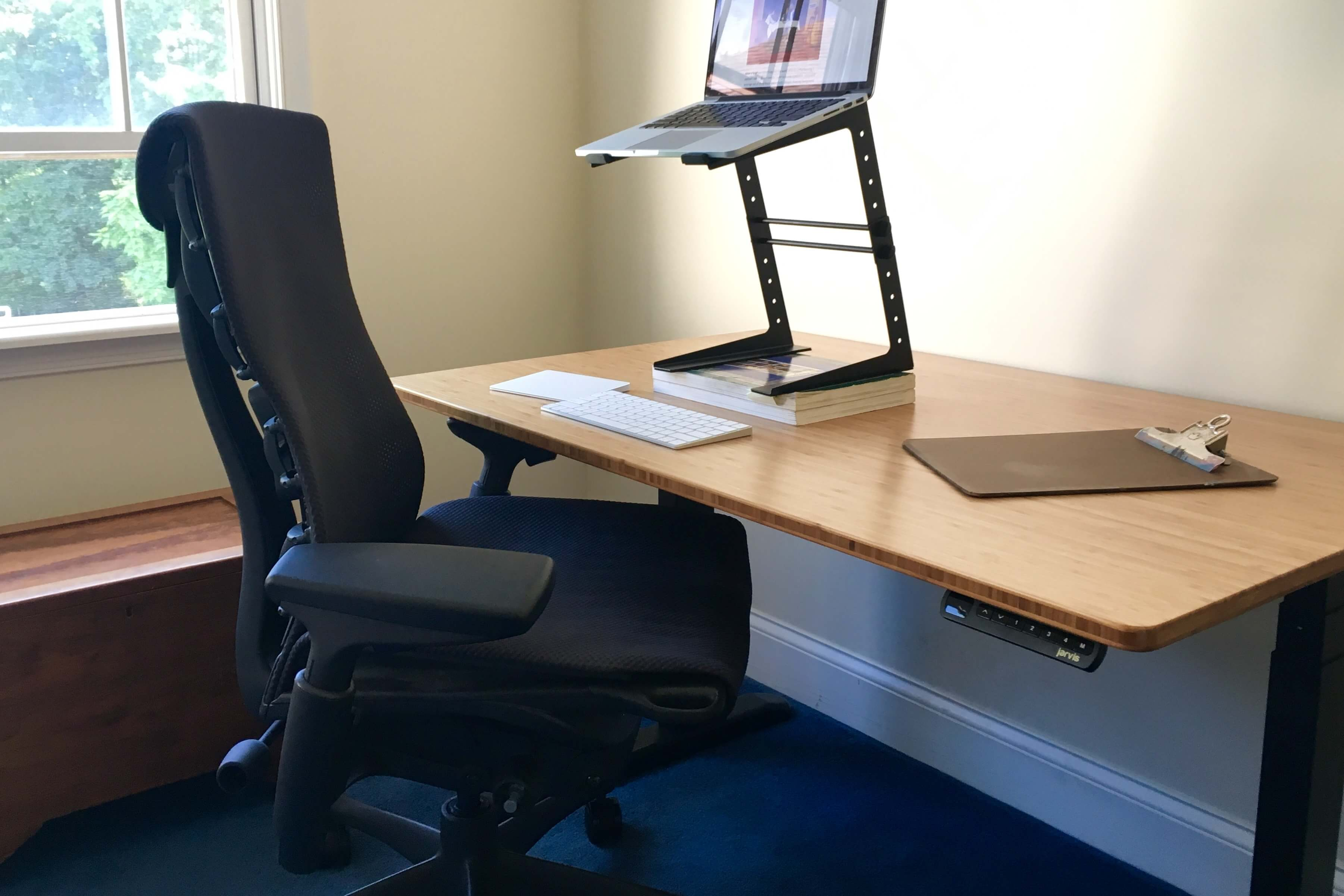 loud ones six month review of the herman miller embody chair and jarvis bamboo standing desk. Black Bedroom Furniture Sets. Home Design Ideas